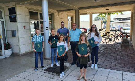 DODIJELJENA Priznanja učenicima i studentima